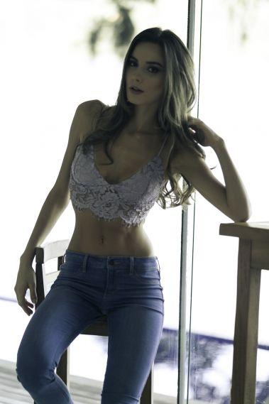 Ana Paula R