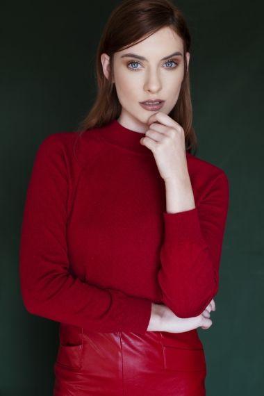 Lara M